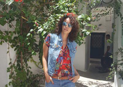 Arrivée au Dar Nour au milieu des hibiscus
